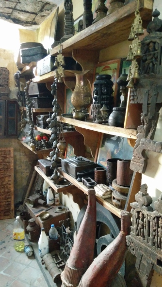 An antique shop in Jew town